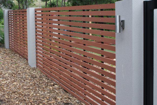img-super-easy-garden-edging-fencing-futurewood-01