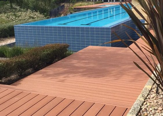 img-futurewoods-cleverdeck-composite-decking-material-used-in-busseltons-aqua-resort-upgrade-01
